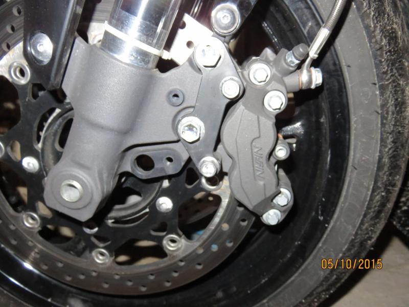 Qui trouve que le frein avant manque de mordant ??? - Page 26 Img_0411