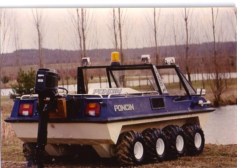 VP 3000 PONCIN 8X8 amphibie  éch : 1/2,6 Vp300012