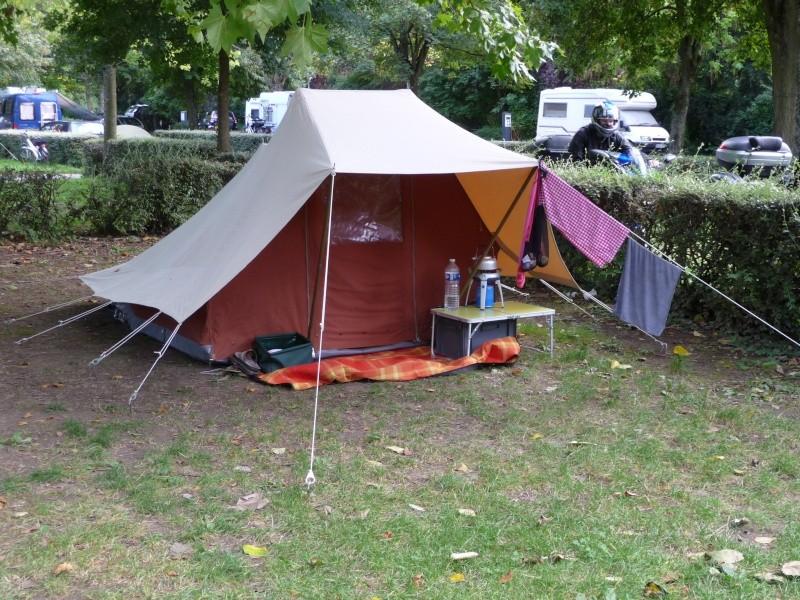 CHAMONIX - tentes vues cette année au camping P1000410