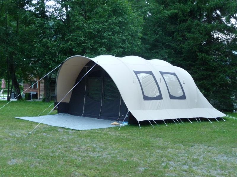 CHAMONIX - tentes vues cette année au camping P1000511