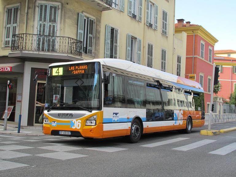 Nouveaux bus RLA : Urbanway 12 Mel02013