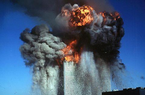 Les deux tours du World Trade Center 14 ans 12004110