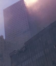 Les deux tours du World Trade Center 14 ans 220px-11