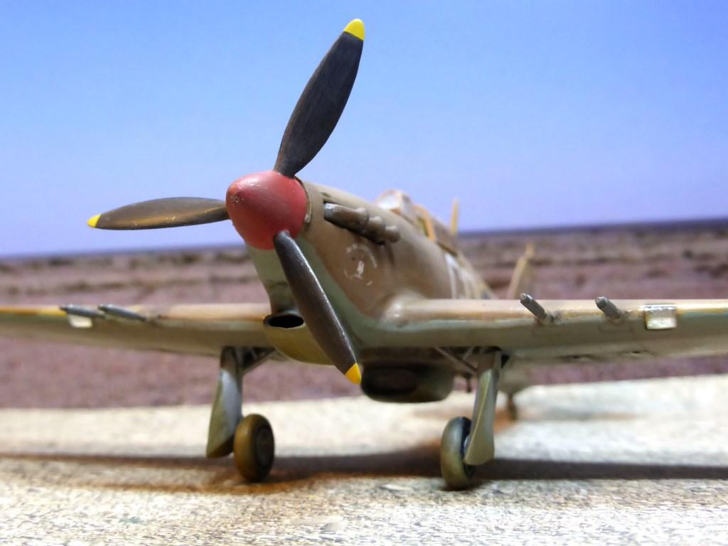 [Vintage] - AIRFIX Hawker Hurricane Mk IIC Amk29610