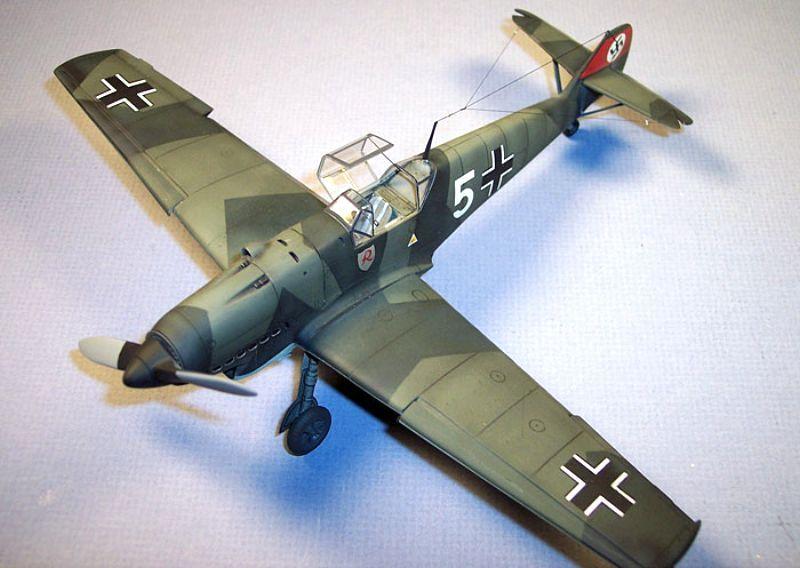 Pour Emil_ le 109 E4 de Fogg --- Terminé --- - Page 2 Bf109d27