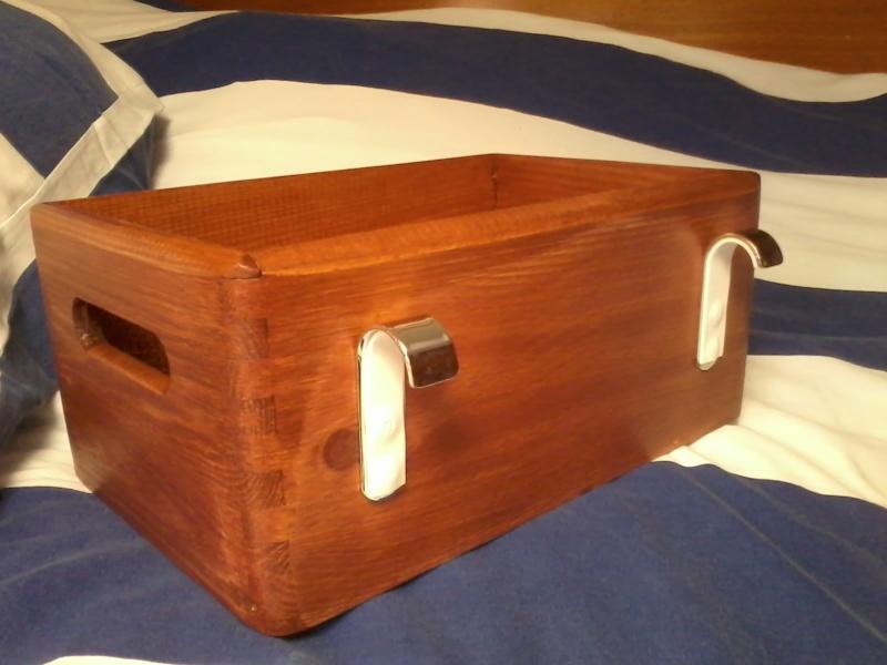 Vide poche pour la couchette avant coté coursive. 2015-114