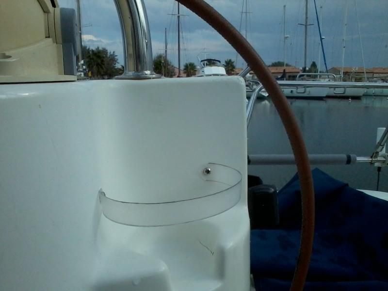 Aménagement porte-gobelet cockpit 2015-115