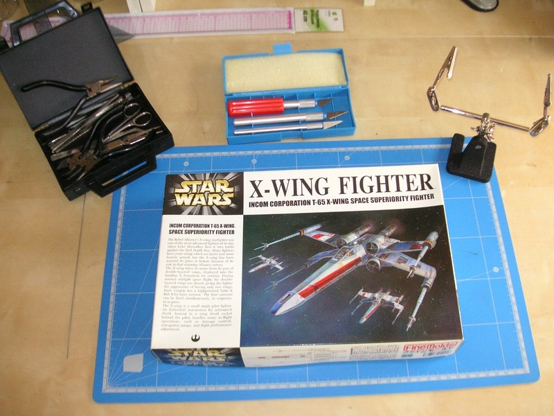 Quelle couleur pour un  X-Wing Fighter 1/72em de Fine Mold 10688510