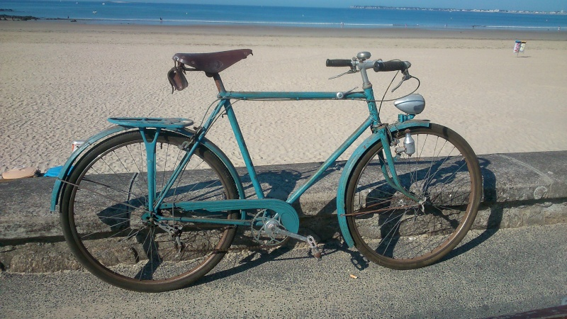 Motobecane à dater  années 1946 maximum   010