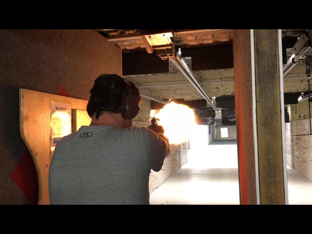 Munition: 10mm auto qui pousse D0314d10
