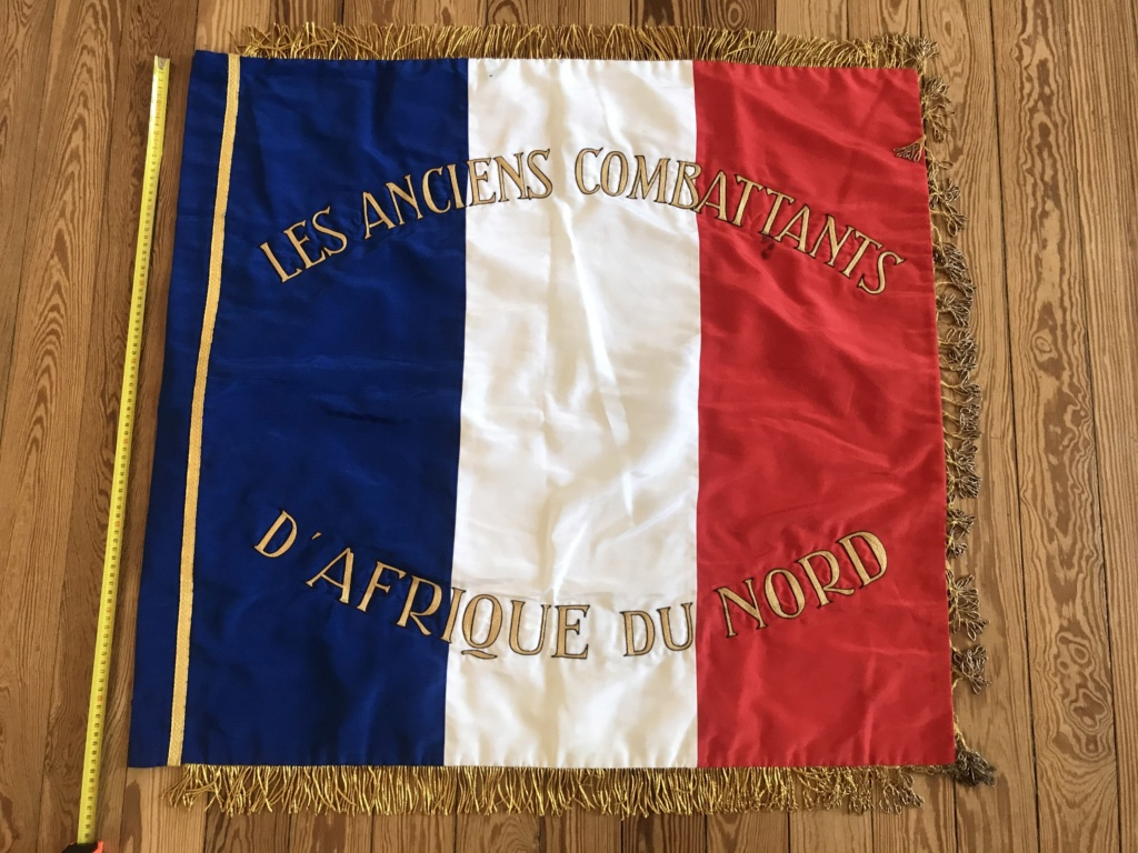 Drapeau / étendard tricolore brodé : Anciens combattants d'Afrique du Nord (AFN) 3c2b4e10