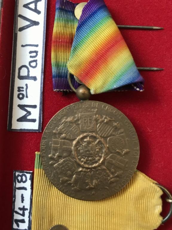 estimation d'un cadre - bien fourni - de médailles WW1 ayant appartenu à P.VAUGE 43555110