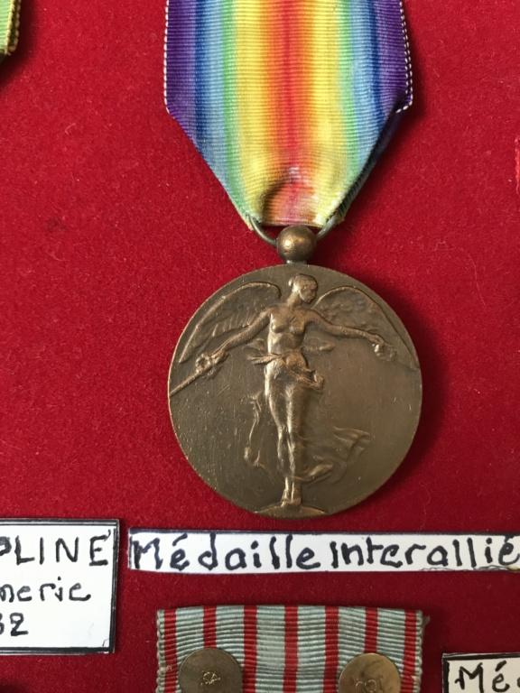 estimation d'un cadre - bien fourni - de médailles WW1 ayant appartenu à P.VAUGE 93ecc610