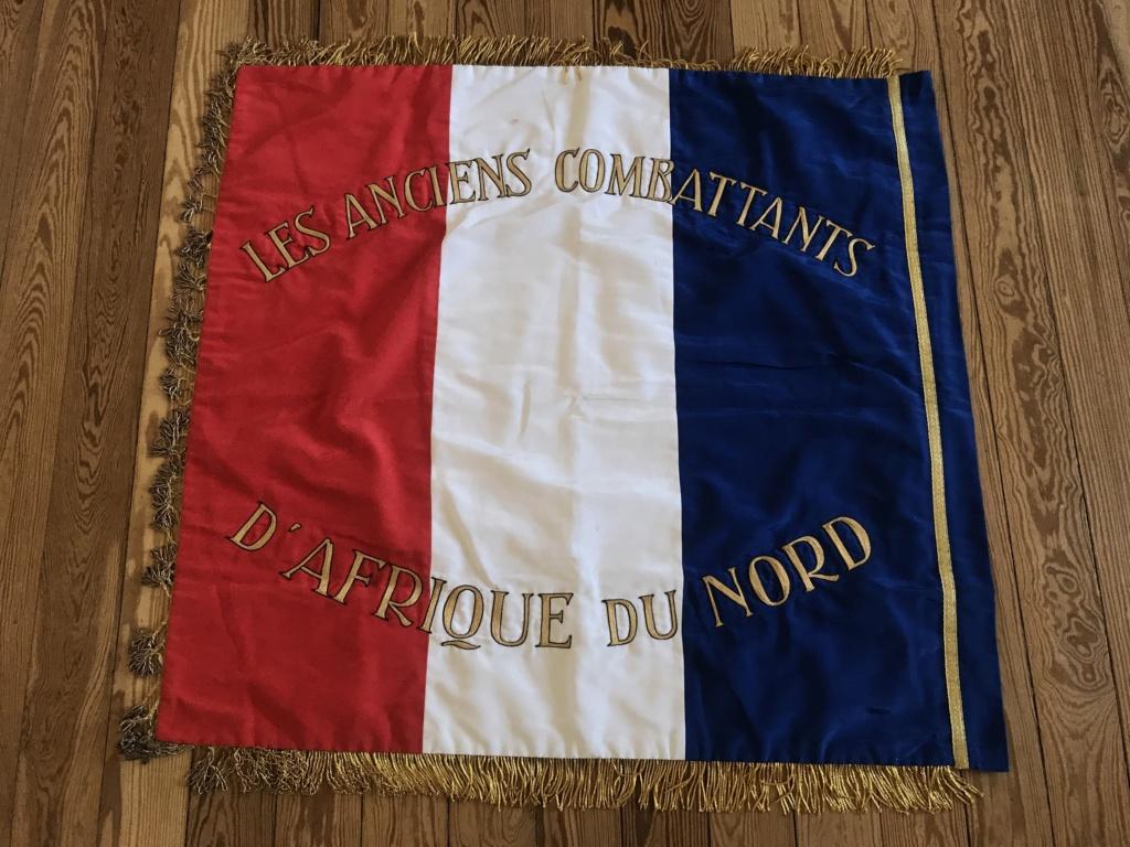 Drapeau / étendard tricolore brodé : Anciens combattants d'Afrique du Nord (AFN) Ac524810