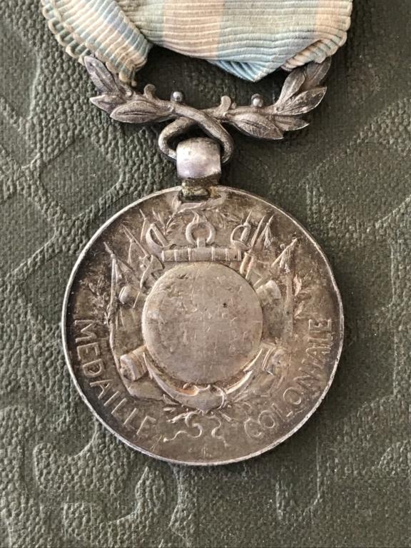 Médaille coloniale ancienne avec ruban d'époque - ESTIMATION  D0664610