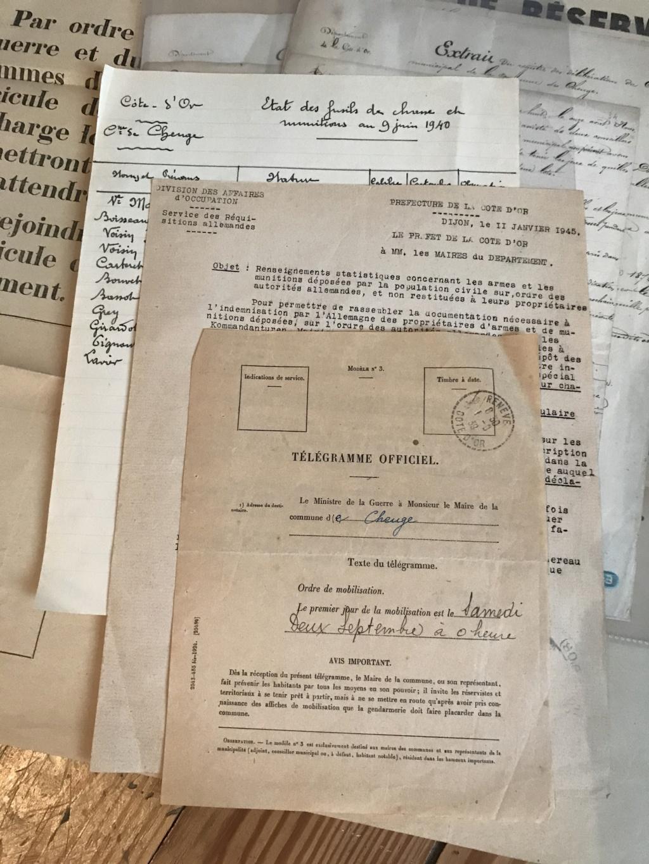 Rentrées récentes avec un lot de papier de Mairie 1814-1945 + ceinturon NSDAP Img_7622