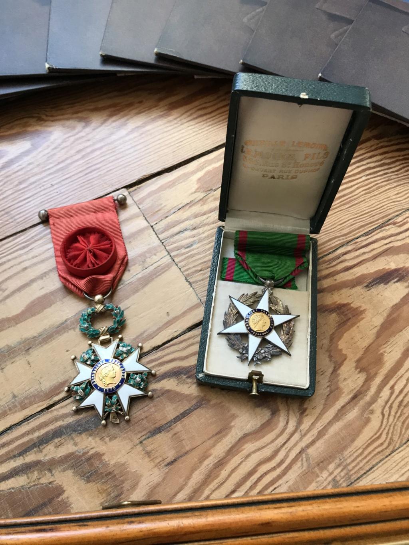 Portraits du maréchal Pétain en pagaille + médailles diverses (LH, St Mihiel...) Img_9110