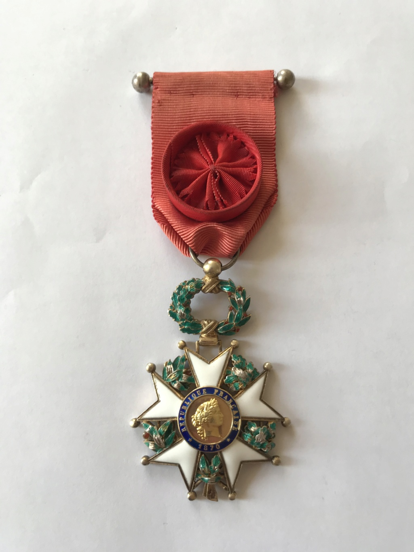 Officier de la LEGION D'HONNEUR - modèle bijoutier vermeil ? Img_9117