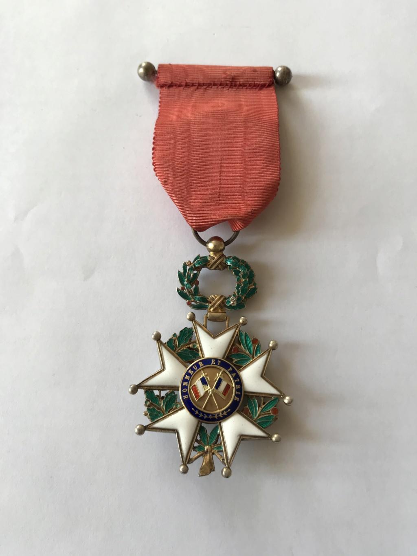 Officier de la LEGION D'HONNEUR - modèle bijoutier vermeil ? Img_9118