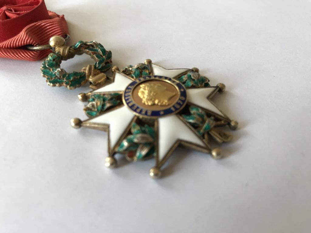 Officier de la LEGION D'HONNEUR - modèle bijoutier vermeil ? Img_9119