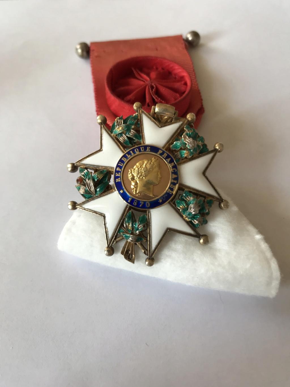 Officier de la LEGION D'HONNEUR - modèle bijoutier vermeil ? Img_9122