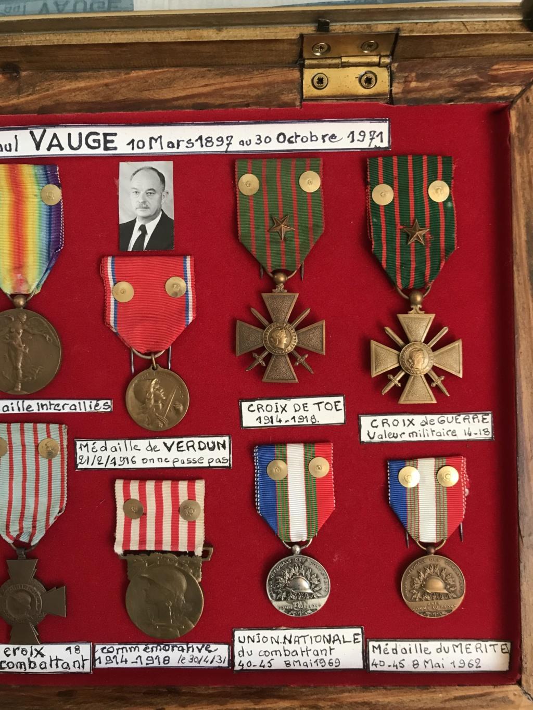 estimation d'un cadre - bien fourni - de médailles WW1 ayant appartenu à P.VAUGE Img_9126