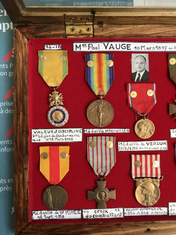estimation d'un cadre - bien fourni - de médailles WW1 ayant appartenu à P.VAUGE Img_9127