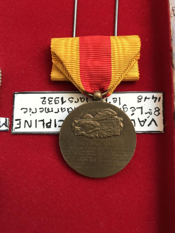 estimation d'un cadre - bien fourni - de médailles WW1 ayant appartenu à P.VAUGE Img_9128