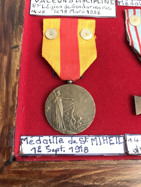 estimation d'un cadre - bien fourni - de médailles WW1 ayant appartenu à P.VAUGE Img_9129