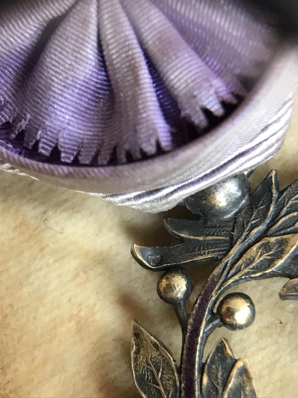 Ancienne médaille Officier des Palmes Académiques en vermeil dans son écrin R.F  Img_9213