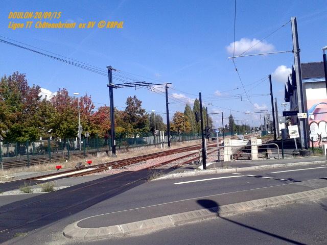 Doulon...Tram et Train Tram 1-201186
