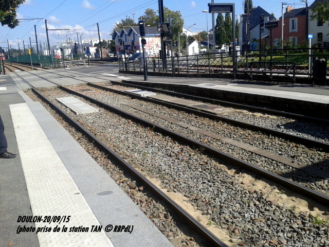 Doulon...Tram et Train Tram 1-201203