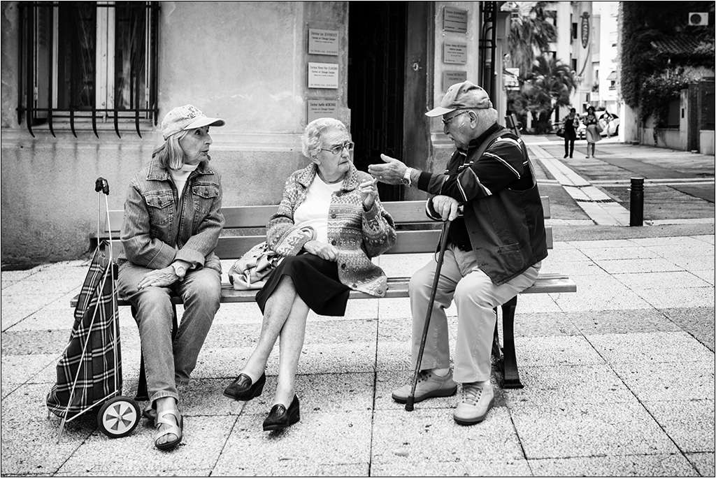 Discussion sur un banc Img_6312