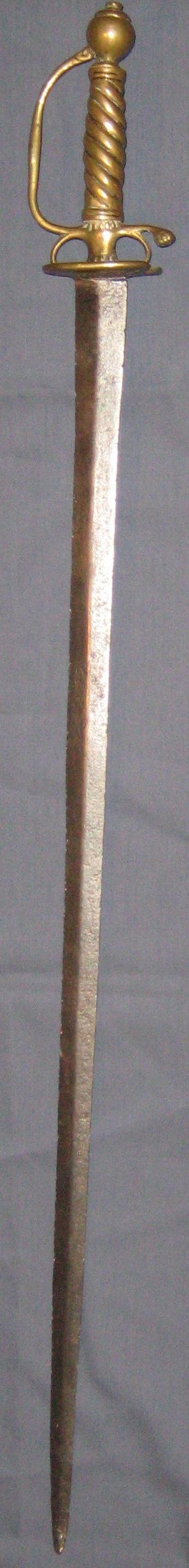 Une épée de soldat du temps de Louis XIV Img_2413