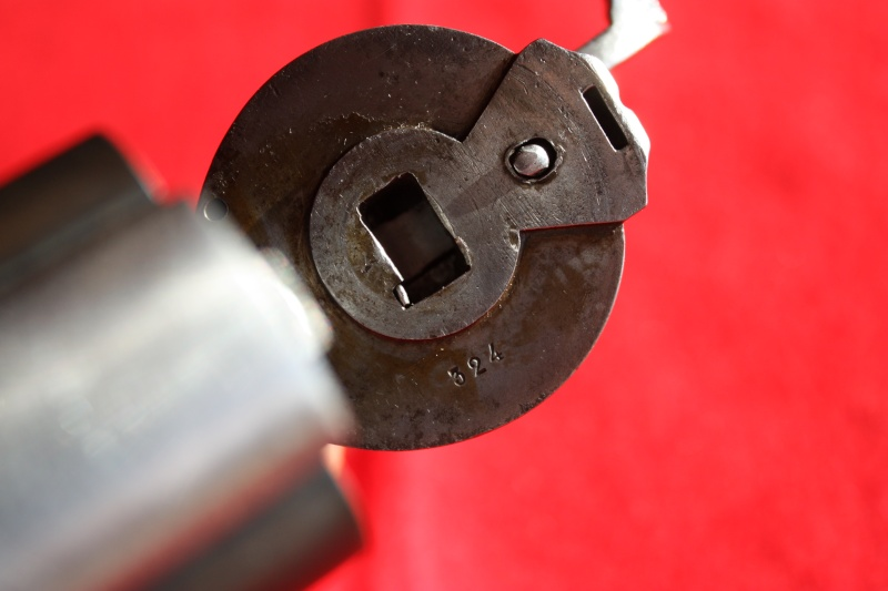 Revolver DEVISME 1859 Img_2122