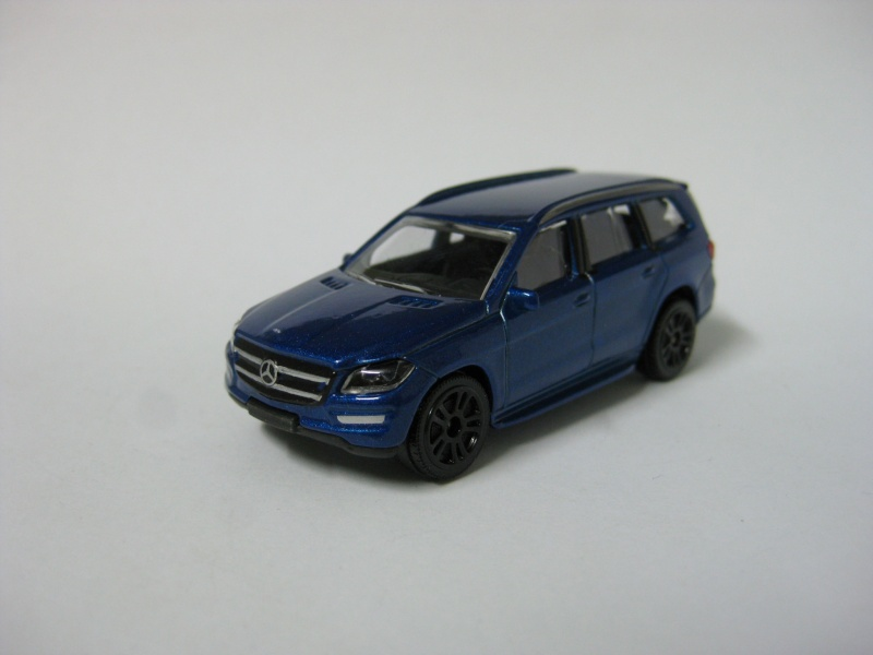N°216 B - Mercedes Benz GL Img_0112