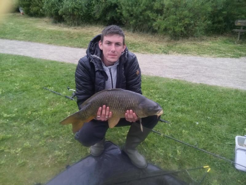 Un poisson de passage :) Img_2010