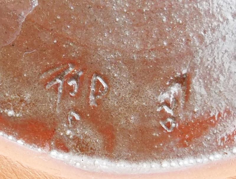Slipware Bird Plate Small Incised Marks Unknown Origins Dscf5512