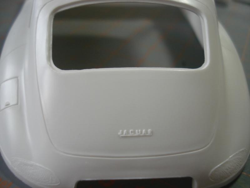 "Jaguar type E ""RACING""  (heller ) 1/24e Dsc05019"
