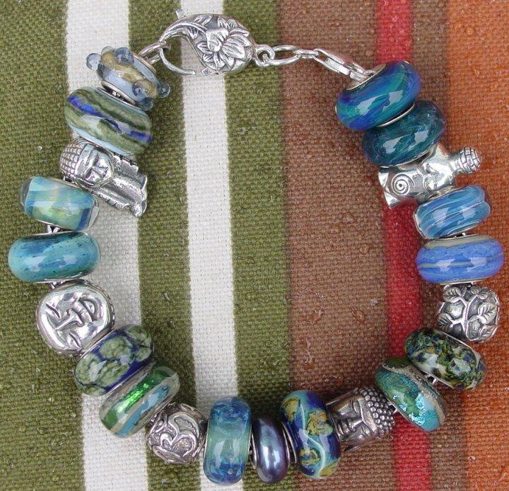 Your very first bracelet Gpwrmq10