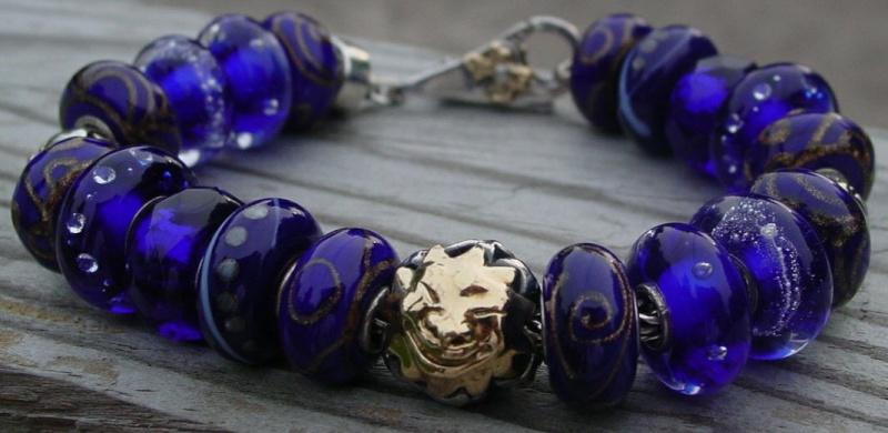 Your very first bracelet Z0u6rw10