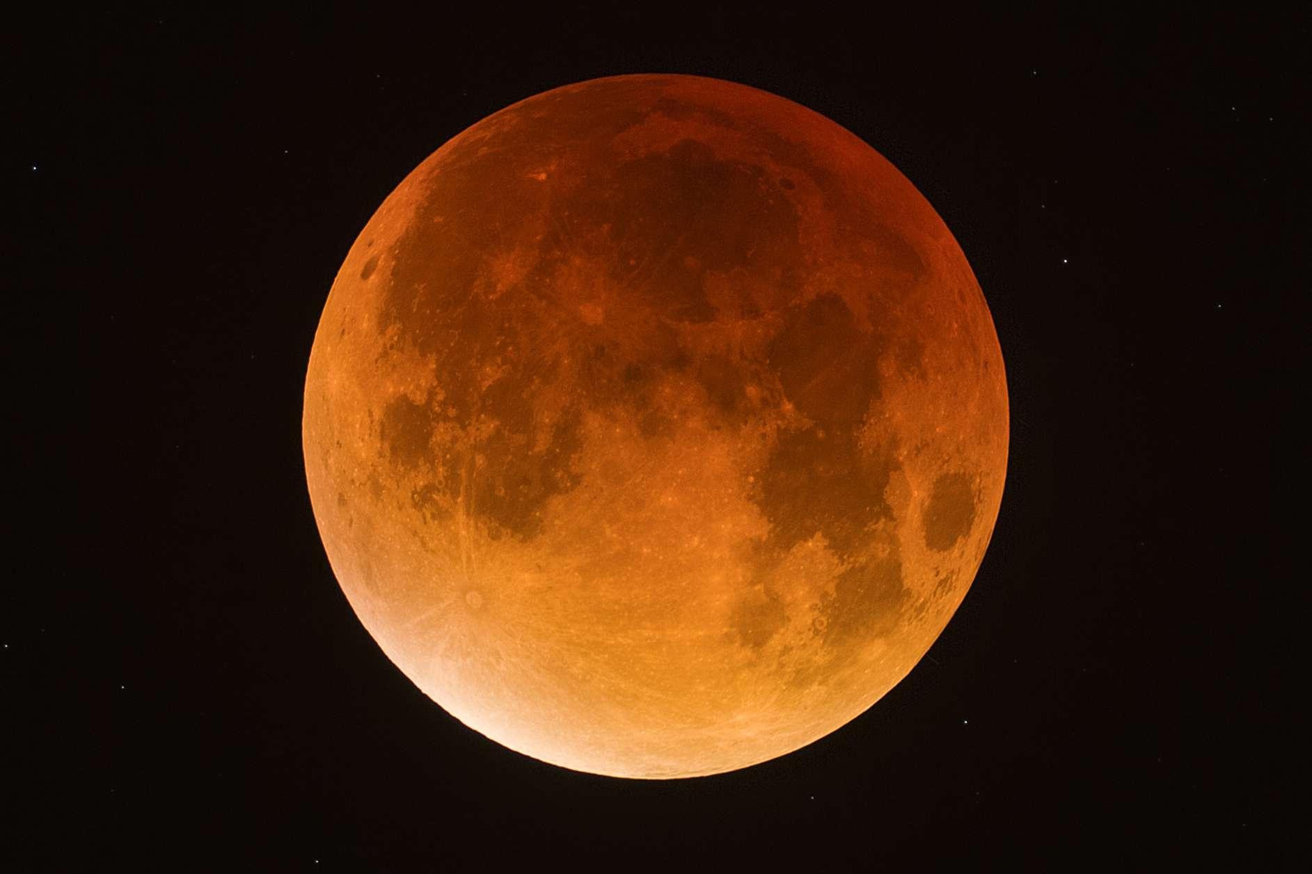 Photo eclipse de lune 2015 Maximu10