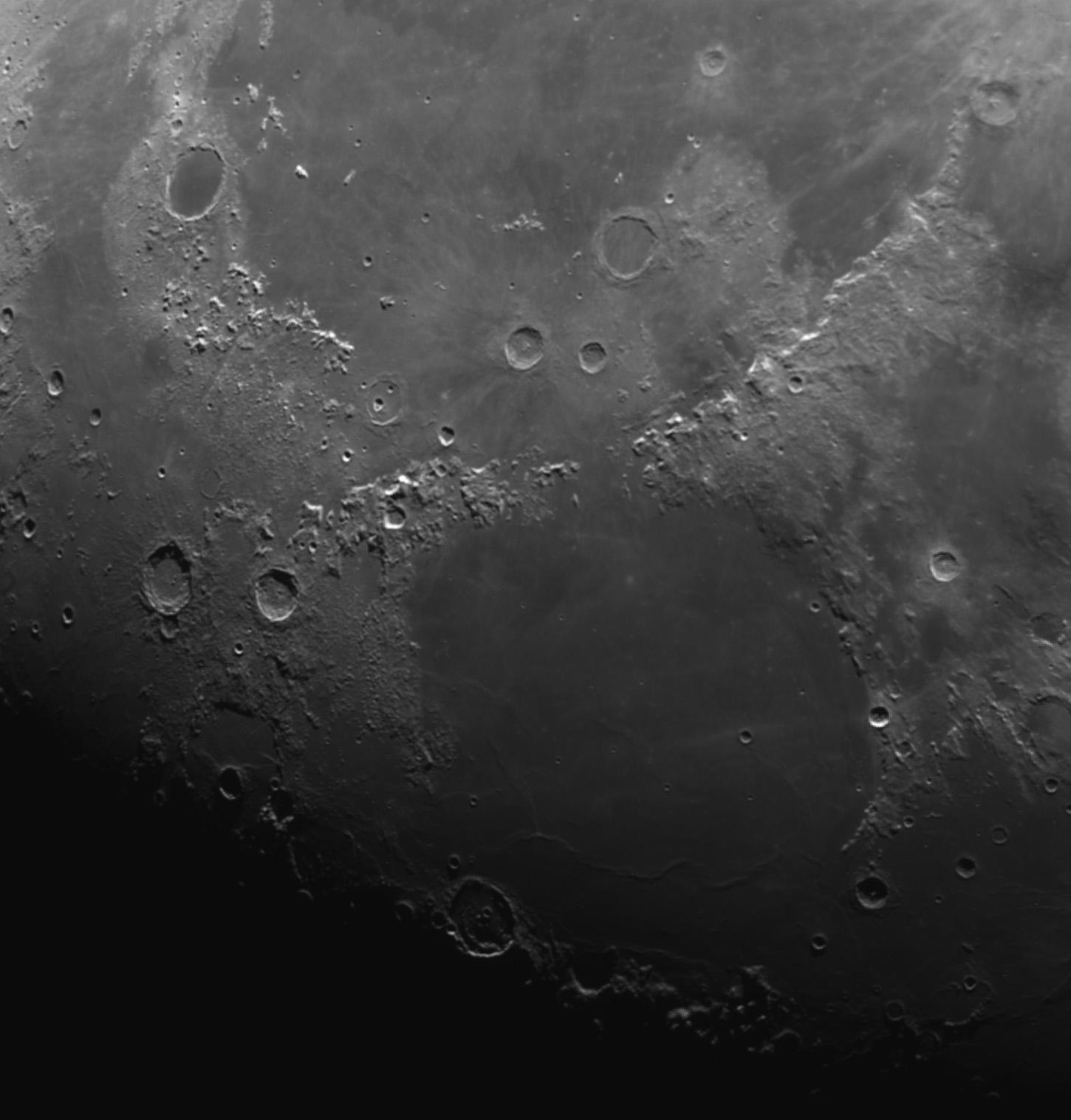 M27 revisitée et bout de lune  Platon10