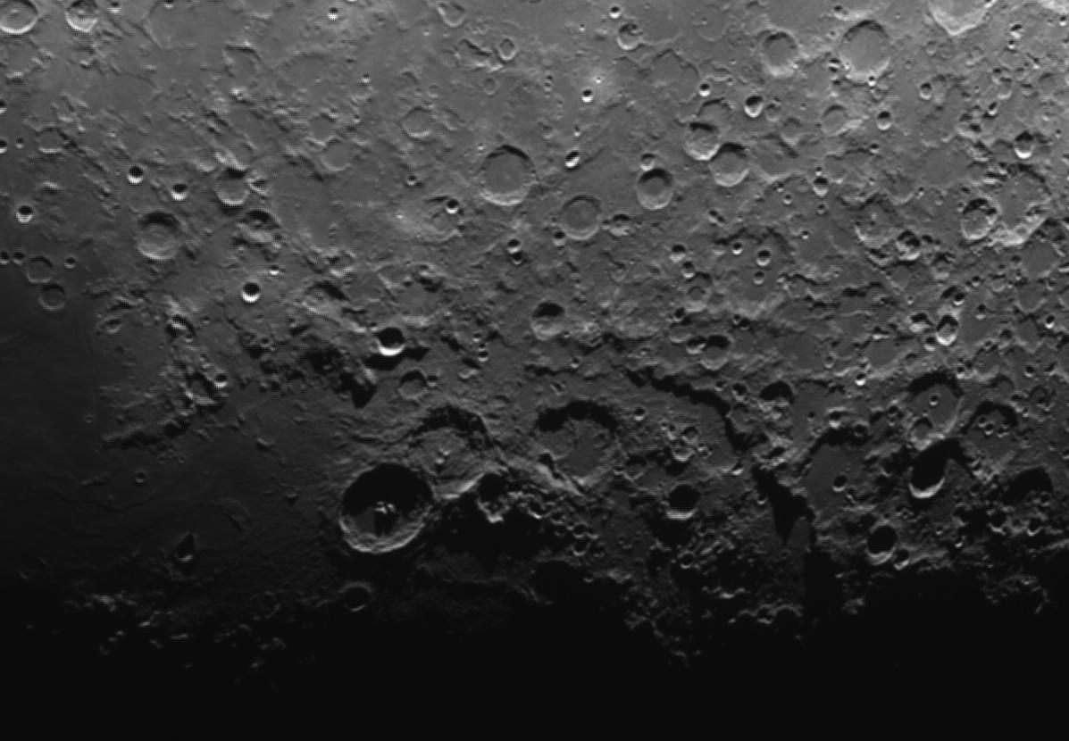 M27 revisitée et bout de lune  Theo210