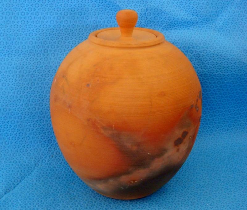 Gorgeous Lidded Pot - Paul Hemara? Dsc08113