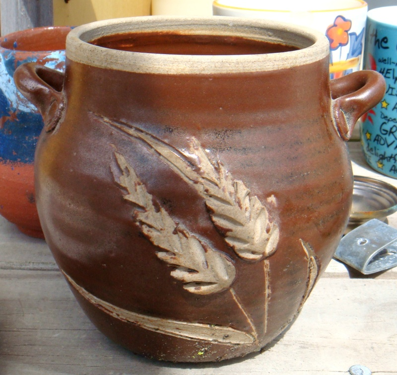 Who made this pot with wheat decoration - JH Dsc08131