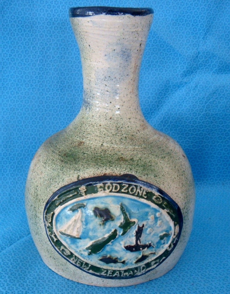 Great pottery carafe GodZone - Who is Stan Rea? Dsc08313