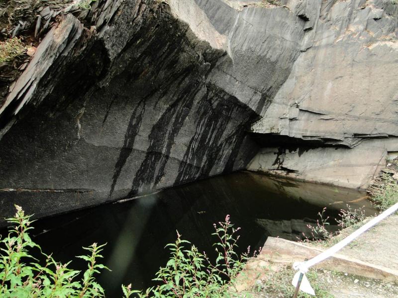 Une balade un peu particulière : l'assec du barrage de Guerlédan 2_puit10