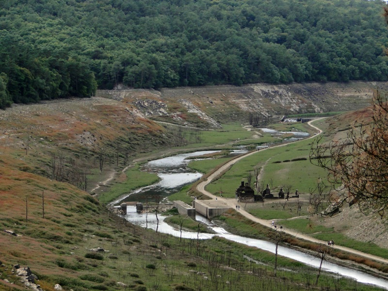 Une balade un peu particulière : l'assec du barrage de Guerlédan 4_mais10