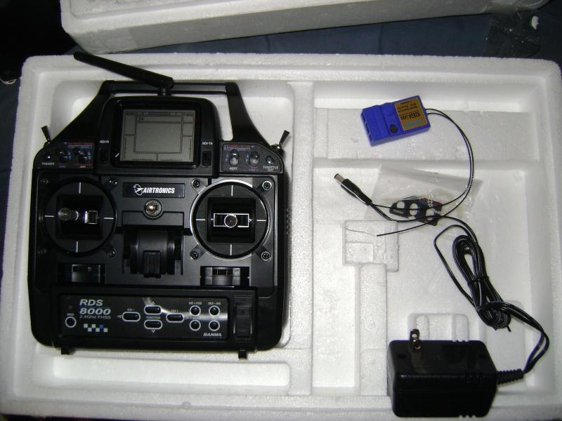 Airtronics RDS8000 8 Ch 2.4G Radio Dsc01232
